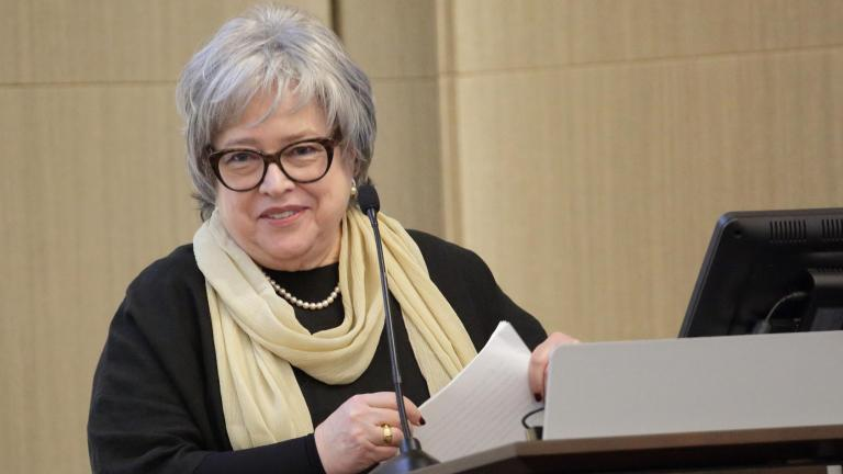 Academy-Award winning actress Kathy Bates, who is the national spokesperson for the Lymphatic Education and Research Network, speaks with researchers gathered at NIH